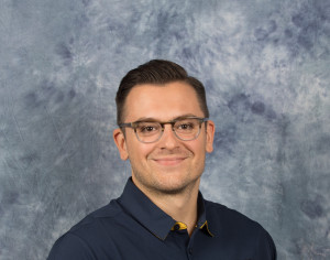 Picture of Dr. Teo Buzas, specialist in manual therapy at Bridging The Gap Physical Therapy